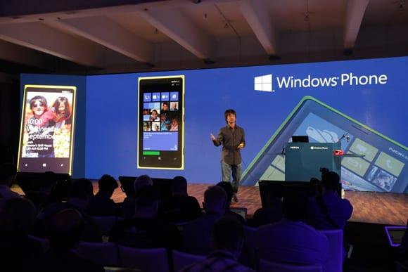 http://phoneworld.com.pk/wp-content/uploads/2012/09/event_belfioreNokiaDemos_Page.jpg