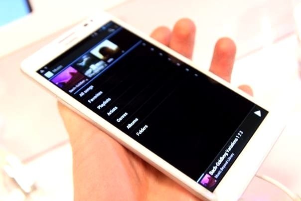 http://phoneworld.com.pk/wp-content/uploads/2013/01/huawei-ascend-mate-10.jpg