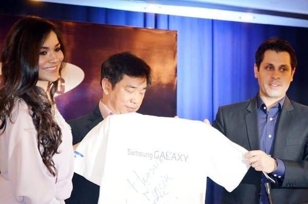 http://phoneworld.com.pk/wp-content/uploads/2013/03/Samsung-Galaxy-Grand.jpg