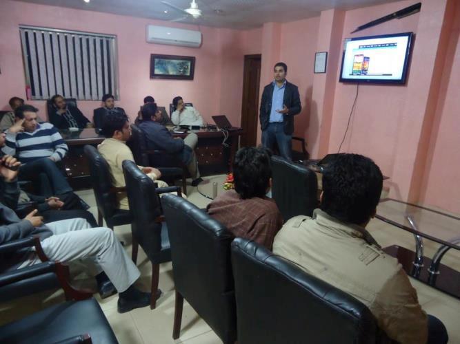 http://phoneworld.com.pk/wp-content/uploads/2013/04/training.jpg