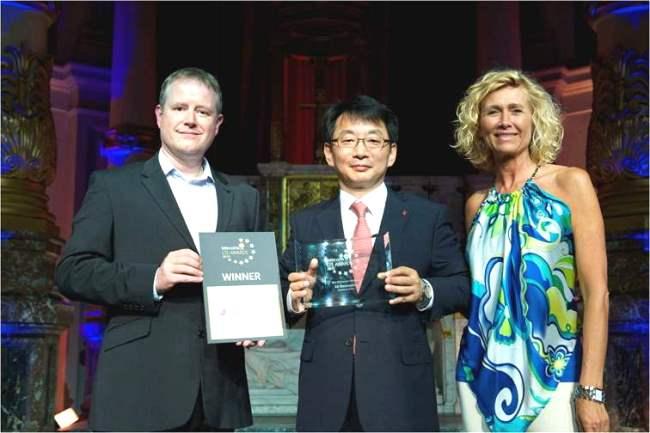 http://phoneworld.com.pk/wp-content/uploads/2013/07/LTE-Awards_LGE_Winner.jpg