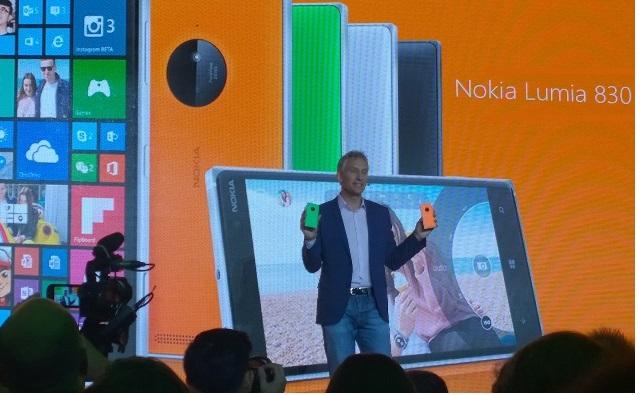 https://phoneworld.com.pk/wp-content/uploads/2014/09/Chris-Weber-with-Lumia-830.jpg