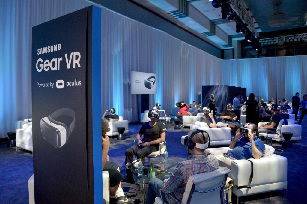 Samsung and OculusIntroduce the First Consumer Version ofGear VR