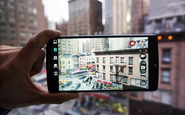 lg-introduces-v10-the-worlds-first-ultra-phone